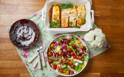Baked fresh herb salmon, Grilled tomato and brie salad