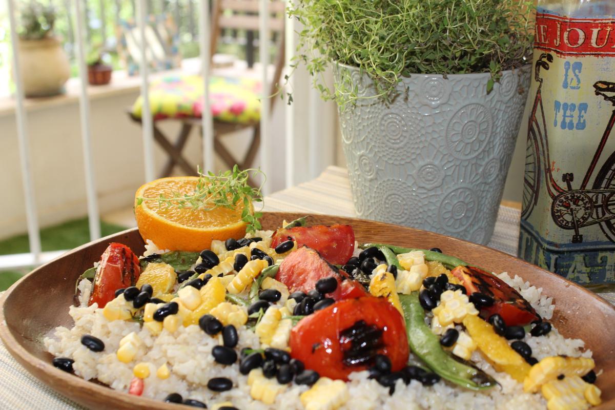 black-bean-rice-corn-sugar-snap-peas-grilled-tomatoes-orange-thyme