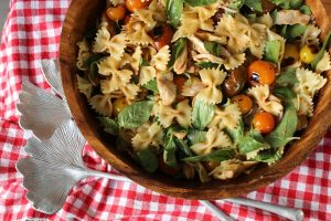 bowtie-pasta-pulled-chicken-tomato-white-wine