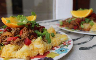 Beet and pepper chili with Jerusalem artichoke mashed potatoes