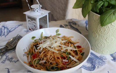 Italian pasta and leek salad