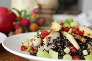 black-quinoa-salad-chicken