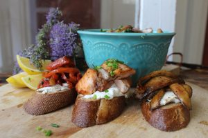 Crostinis  with kale salad