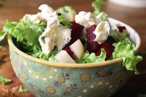 roquefort-beet-salad-apples
