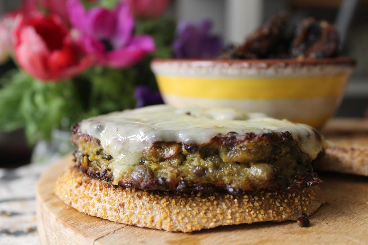 smokey-lentil-cheese-burgers