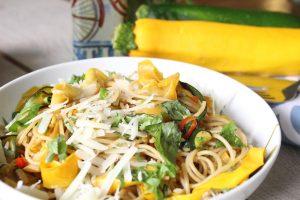 zucchini-garlic-pasta