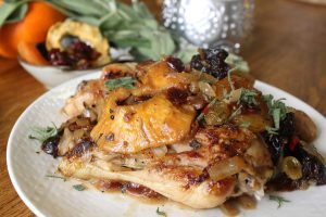 Chicken drumsticks with dried fruit chutney