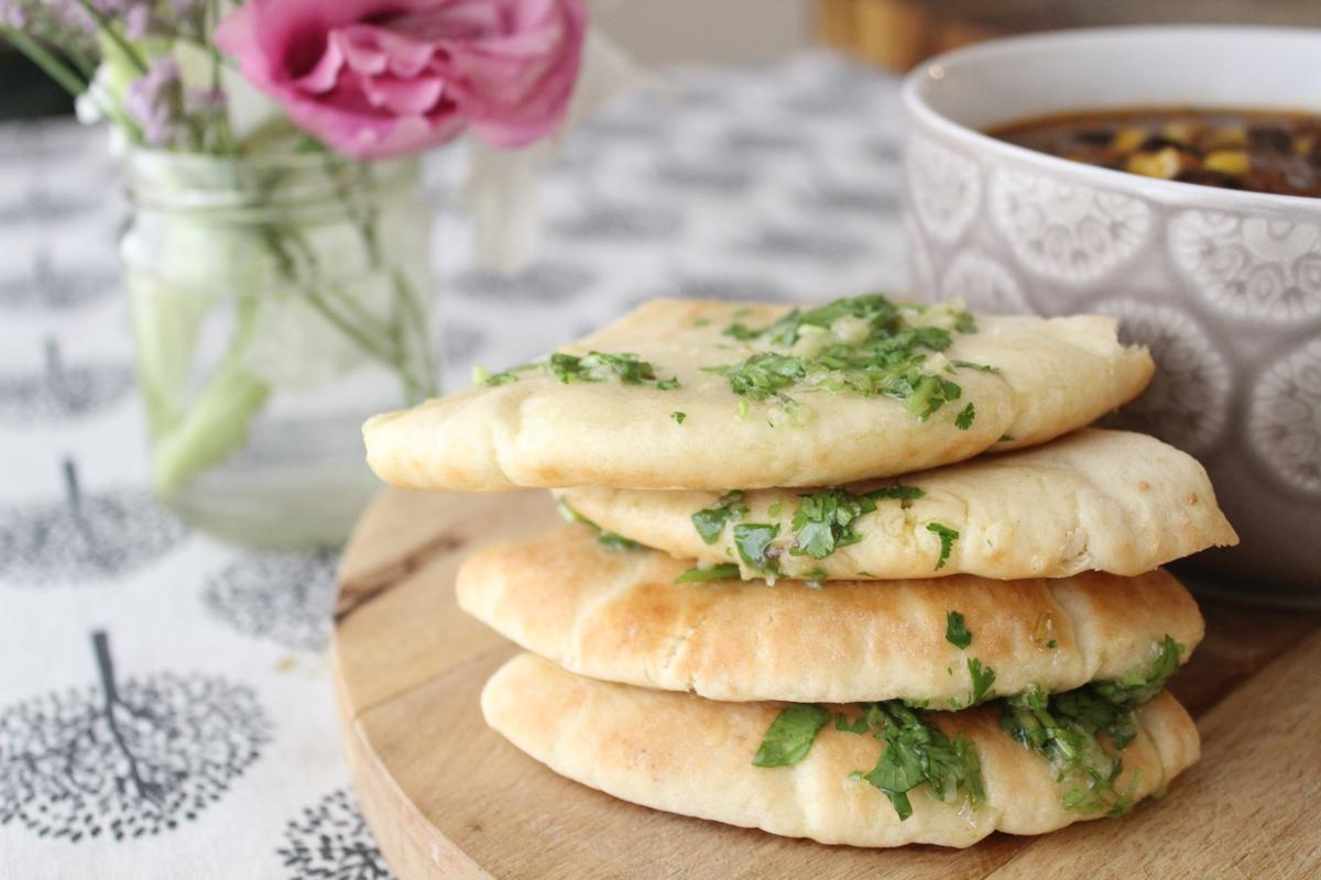 garlic-knots-pita