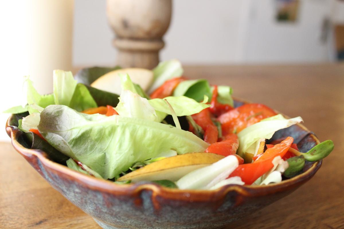 Butter-lettuce-Asian-pear-salad