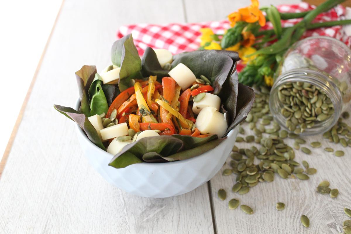 roasted-pepper-sunflour-seeds-hearts-palm-salad