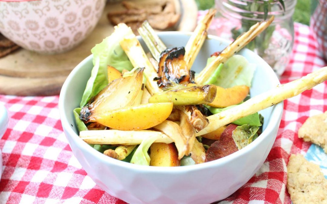 Grilled asparagus nectarine salad