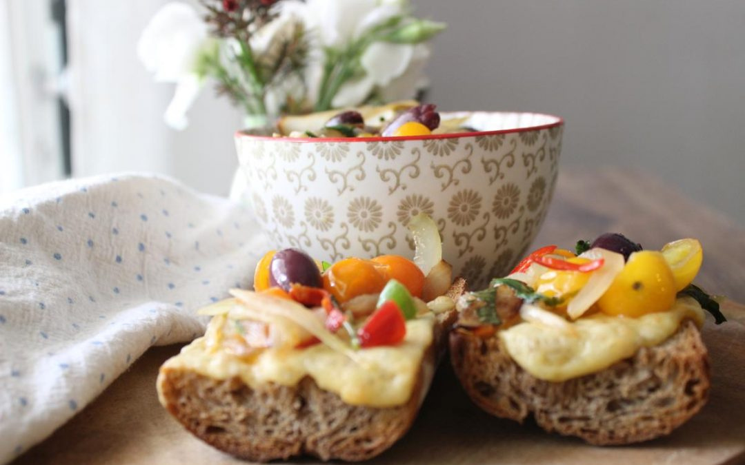 Spicy grilled cheese with Quinoa salad